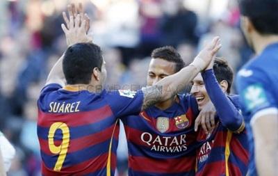 Месси оформляет хет-трик, Барселона громит Гранаду