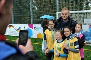 Голкипер Шахтера побывал на турнире UNICEF