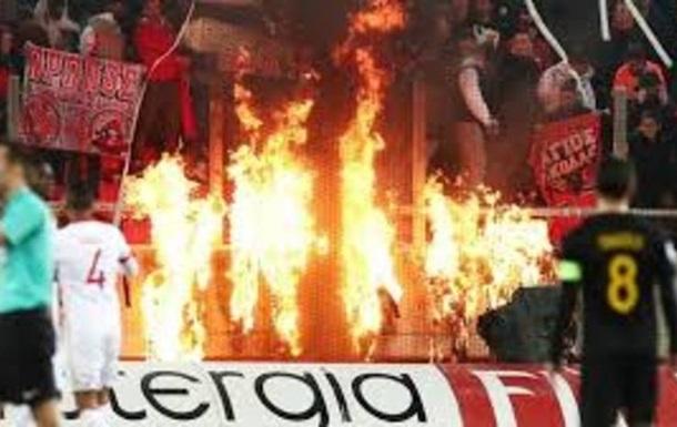 Из-за избиения судьи приостановили чемпионат Греции по футболу
