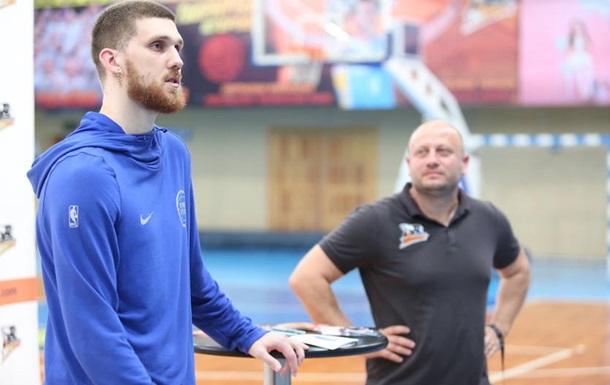 Михайлюк: У ЛеБрона нет звездности или короны, он очень компанейский
